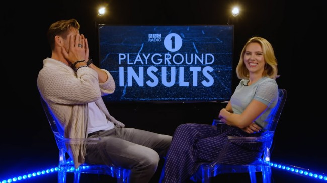 Chris Hemsworth And Scarlett Johansson Suck At Insulting Each Other