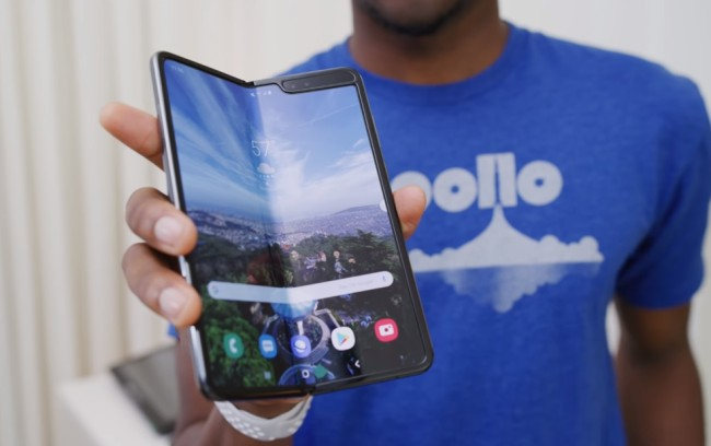 Samsung Foldable Fold Phones Are Breaking