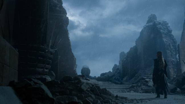 Game of Thrones Series Finale Emilia Clarke Iron Throne