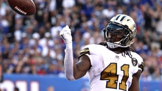 Alvin Kamara Had The Perfect Response To A Guy Complaining About All His Girlfriend Tweets