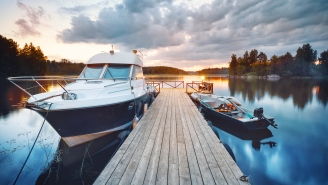 3 Important Boat Safety Tips To Keep In Mind So We All Stay Alive This Summer