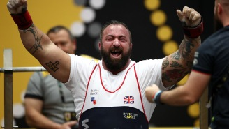 Disabled Veteran Breaks Seated Deadlift World Record By Lifting A Mind-Bending 1113 Pounds