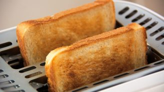 People Are Arguing About The Correct Way To Make Toast And There Seems To Be No Right Answer