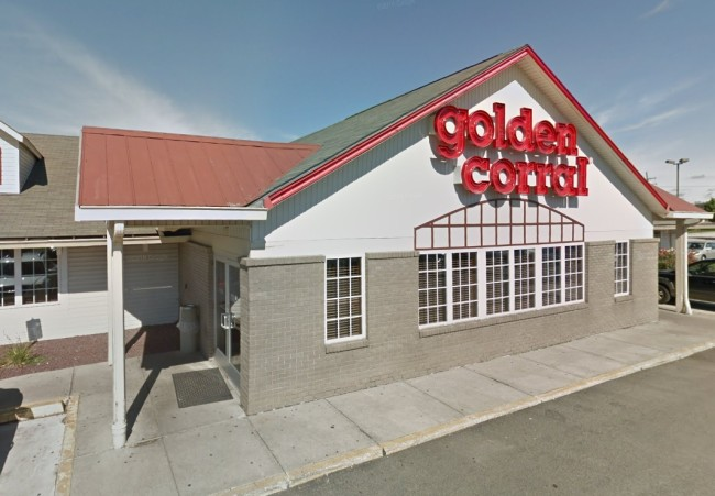 Woman says she was kicked out of Golden Corral for dressing 'too provocatively'