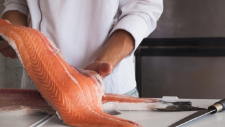 Alaskan Fisherman Shows How To Properly Fillet A Salmon, A Skill Every Guy Should Know