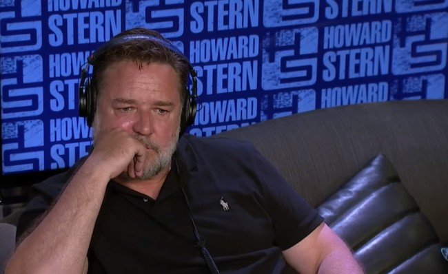 Russell Crowe explains why he turned down role in Lord of the Rings and how Peter Jackson cost him $100 million on The Howard Stern Show.