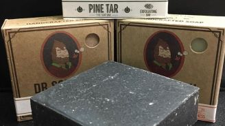 I Tried Dr. Squatch All-Natural Pine Tar Soap And My Skin Has Never Felt Softer (…And Cleaner)