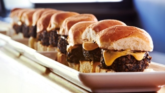 A Fast-Food Chain Is Selling Unlimited Sliders And Fries For An Absurdly Low Price And It Sounds Like Heaven On Earth