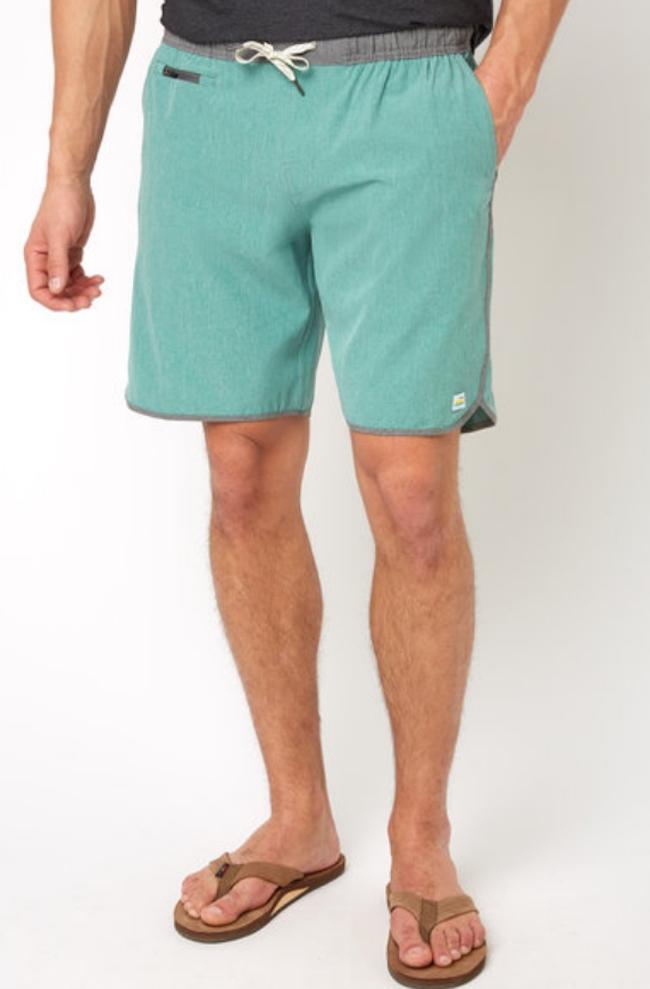 Vuori Banks Aloe Linen Texture Shorts from South Moon Under