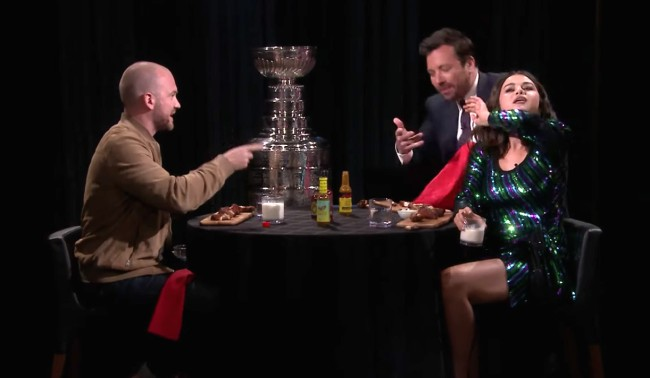 Watch Selena Gomez And Jimmy Fallon Take The Hot Ones Challenge