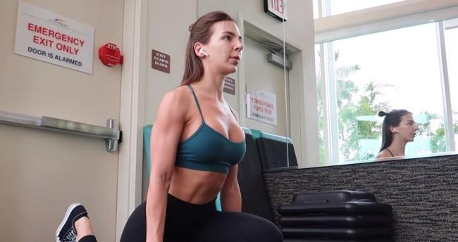 90 Day Fiance Anfisa Nava body transformation bodybuilder competition body shamers.