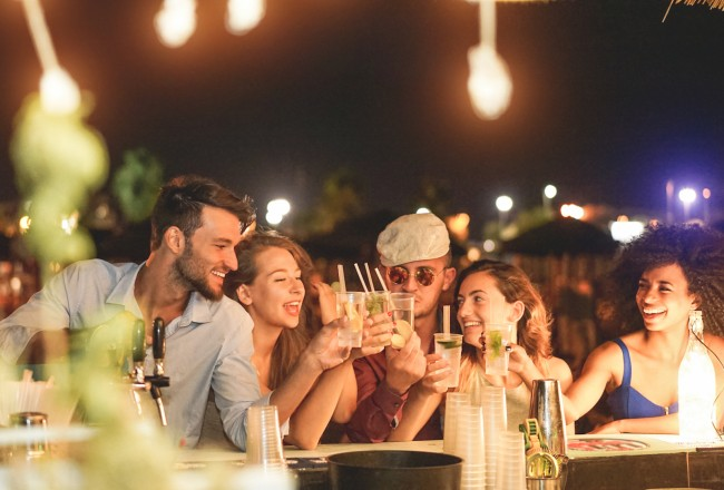How To Avoid Drinking Tainted Alcohol While On Vacation