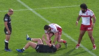 Pro Rugby Player Dislocates His Knee After A Tackle And Slaps It Back Into Place Like A Deranged Savage Animal