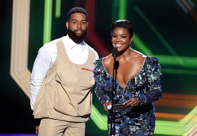 Odell Beckham Jr. showed up to the ESPY Awards wearing a wild outfit and the Internet mocked him by turning it into a meme
