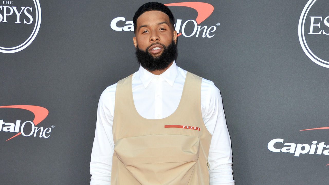 Now We Know Why Odell Got His Hair Cut: So He Can Stick His Head