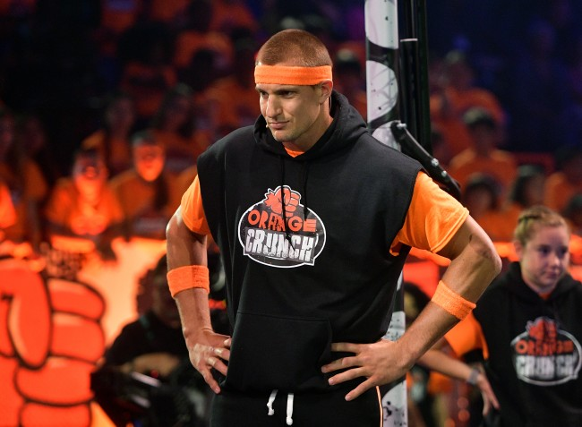Source claims Rob Gronkowski has a '40 percent' chance of returning to NFL this season