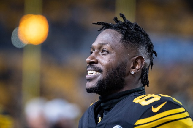 Antonio Brown's preferred hlemet from Schutt is no longer available to wear, and the company explains why production stopped