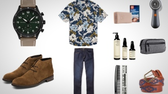10 Everyday Carry Essentials For Taking Care Of Yourself On The Road