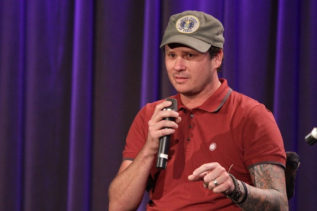 """US Navy forced to admit that UFOs or """"unidentified aerial phenomena"""" UAP spotted in viral videos made public by Blink-182 singer Tom Delonge are real"""