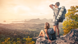 Do It For The Gram: Influencer Travel Couple Posts Another 'Dangerous' Instagram Stunt Photo That Makes People Nervous