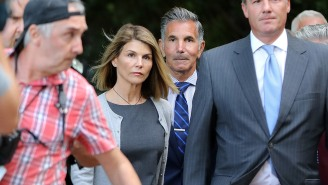 Lori Loughlin Reportedly 'Regrets' Not Taking A Deal After Seeing Felicity Huffman's Prison Sentence