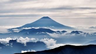 Alien-Hunter Spots UFO Flying Near Erupting Volcano In Live Cam Video