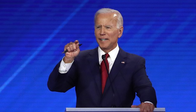 Reactions To Joe Biden Having Issue With His Teeth During The Debate