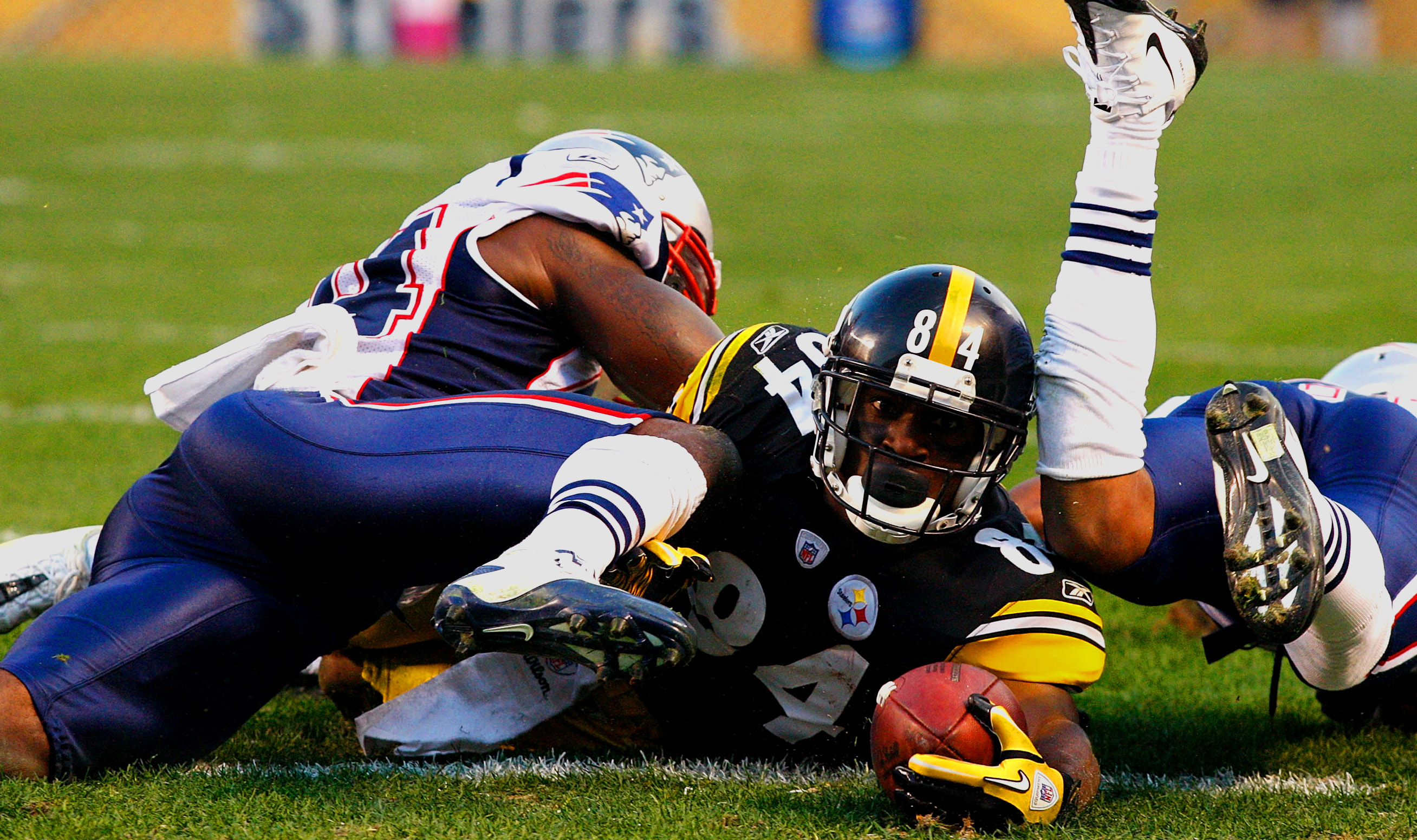 The Internet Is Making So Many Jokes About Antonio Brown Eventually Ending Up On The Patriots Brobible