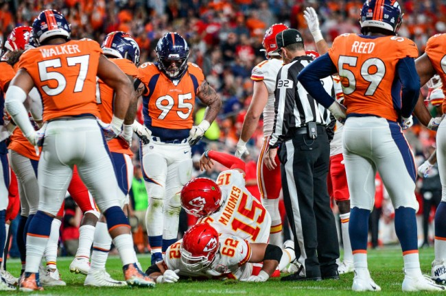 patrick mahomes knee injury