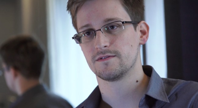 Edward Snowden, the former employee of the CIA and contractor for the National Security Agency (NSA), gave an interview on the Joe Rogan Experience and said that he couldn't find any information on government computers about UFOs or aliens.