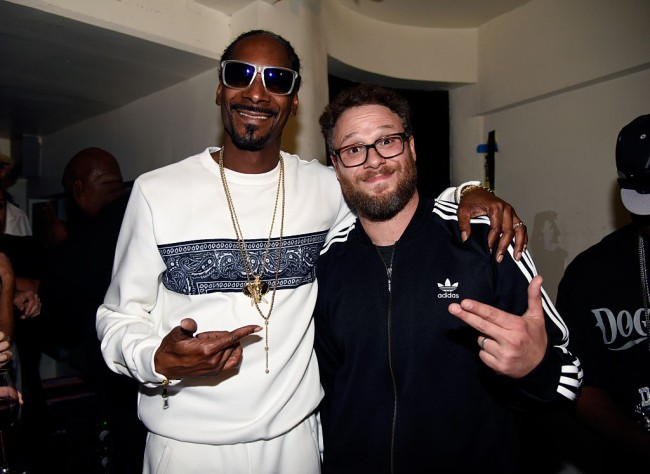 Seth Rogen, Snoop Dogg and Jennifer Aniston give advice about smoking weed for the first time in appearance on The Howard Stern Show.