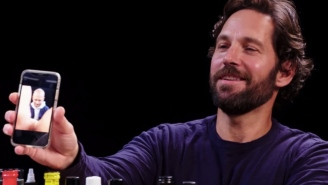 Paul Rudd Went On 'Hot Ones' And Taught The World How To Make It Look Like There's A Naked Person In Any Cellphone Pic
