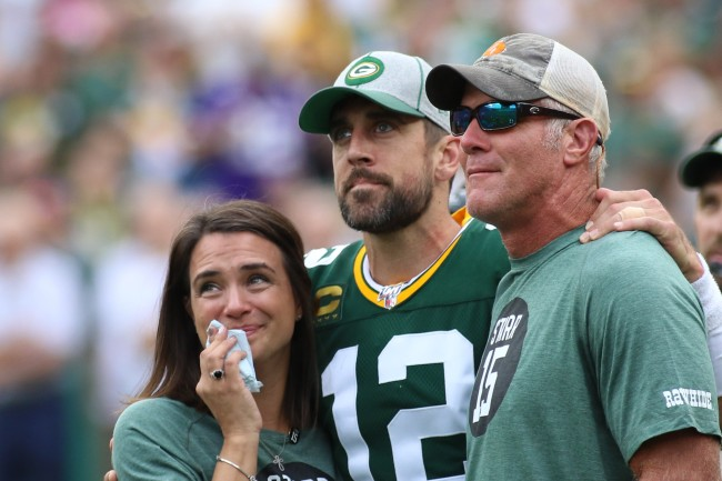 """Aaron Rodgers describes his relationship with Brett Favre during """"power struggle"""" as teammates with Packers"""