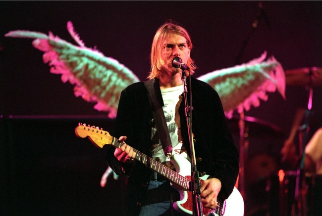 Earnie Bailey, guitar tech for Nirvana worked with Foo Fighters, explains why Kurt Cobain loved Fender, not Les Paul, his Unplugged guitar.