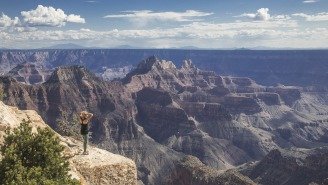 This Video Footage Of A Woman Nearly Falling Off A Cliff At The Grand Canyon While Glued To Her Phone Is Infuriating