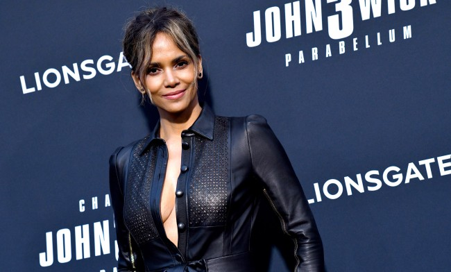 Halle Berry Has Ripped Abs For MMA Movie Bruised How She Did It