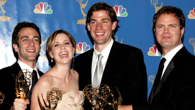 Jenna Fischer John Krasinski Disagree Over Pam and Jims First Kiss