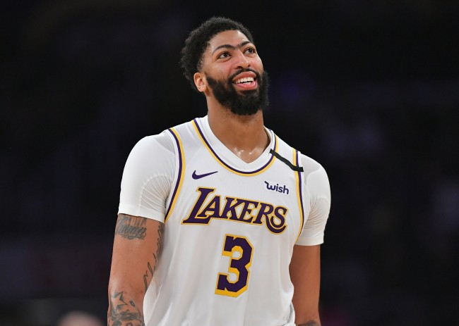 Anthony Davis gets ripped by Twitter after wearing Aaron Rodgers jersey to Packers-Seahawks playoff game