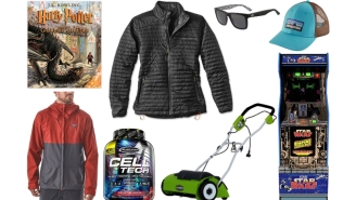 Daily Deals: Star Wars Arcade Cabinet, Nike Free RN 5.0, Lacoste Sunglasses, Patagonia Sale, Under Armour Clearance And More!