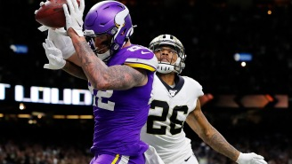 Vikings' Kyle Rudolph Gave His Game-Winning TD Gloves To A Media Person For A Charity; They Sold On eBay Three Days Later