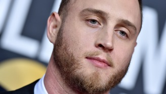 Viral Clip Of Tom Hanks' Son, Chet Haze, At The Golden Globes Leads People To Share Amazing Stories About Him In College