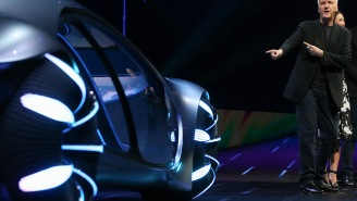 Mercedes-Benz Unveiled A Car Inspired By 'Avatar' That Can Drive Sideways And Looks Like The 'Bean' In Chicago