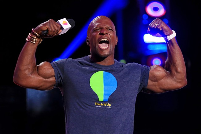 Terry Crews shows off his amazing physique and his body has muscles on muscles in Twitter photo.