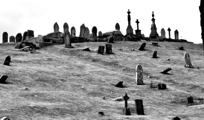 People Who Work At Graveyards Shared The Creepiest Things Seen