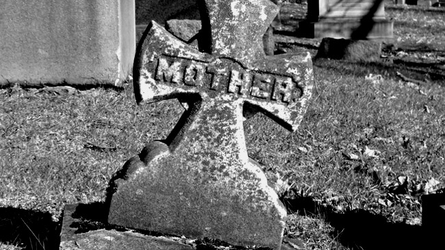 People Who Work Graveyards Shared Creepiest Things Theyve Witnessed