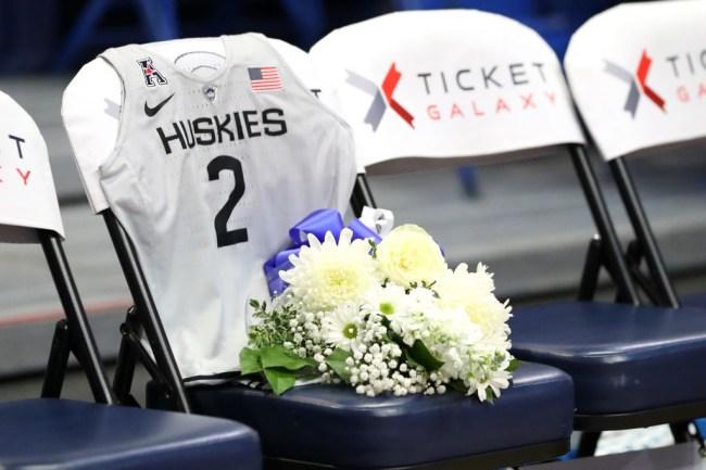uconn womens basketball Gianna Bryant tribute
