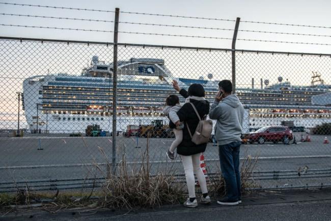 Coronavirus cruise ship, Carnival's Diamond Princess, has 542 confirmed cases, as US citizens are flown back, passengers still quarantined.