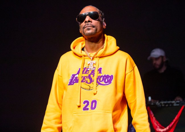 Snoop Dogg issues apology to Gayle King after he threatened her in angry Instagram post for her interview asking about Kobe Bryant's rape case.