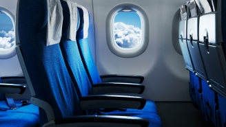 A Woman Who Had Her Airline Seat Punched By An Angry Passenger After Reclining Wants The FBI To Investigate The Incident