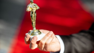 This Year's $200K Oscars Gift Bag Includes A Gold-Plated Vape Pen, Bullet-Resistant Doors, A $10K Weed Chocolate Tasting, And More